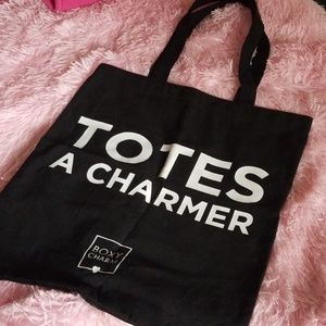 BoxyCharm Black Canvas Tote